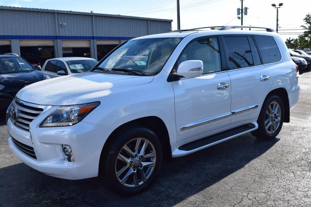 SELLING MY USED LEXUS LX 570 2014
