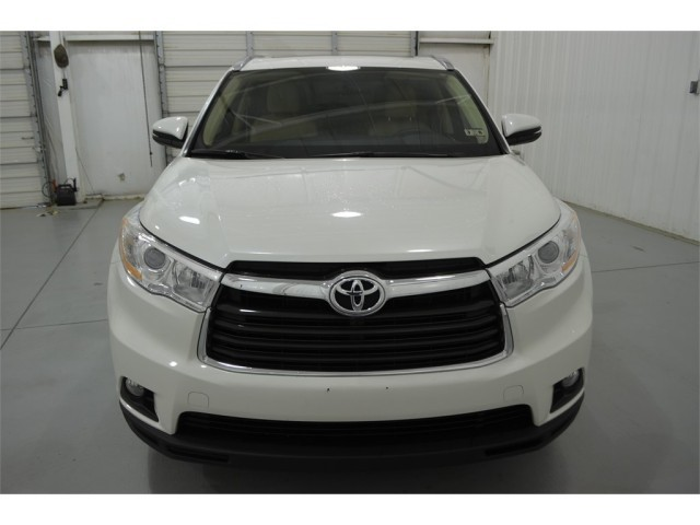 Urgent Sale My Used 2014 Toyota Highlander 4X4