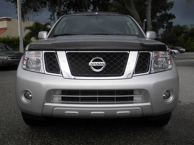 MY USED 2012 NISSAN PATHFINDER LE