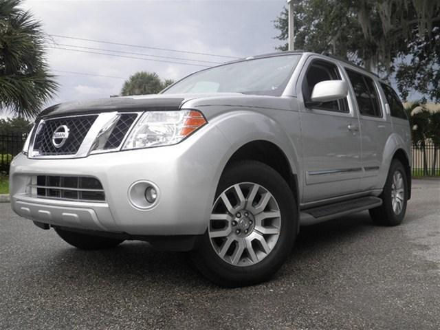 USED NISSAN PATHFINDER LE 2012